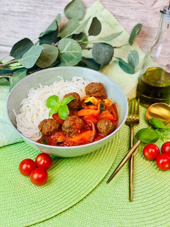 Bestes_Fleischbällchen-Tomaten-Soße