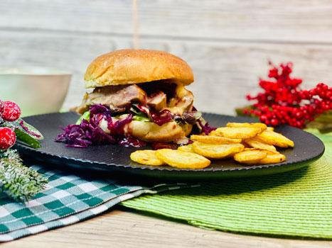 Brioche-Burger-mit-Entenbrust-Rotkohl-Camenbert-Rezept-3