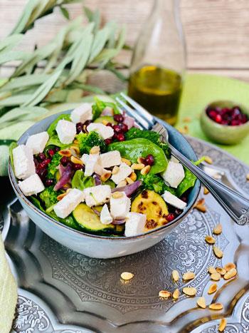 Brokkoli-Pinienkern-Salat