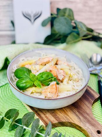 Frischkäsesauce-mit-Lachs-und-Spargel_Rezept
