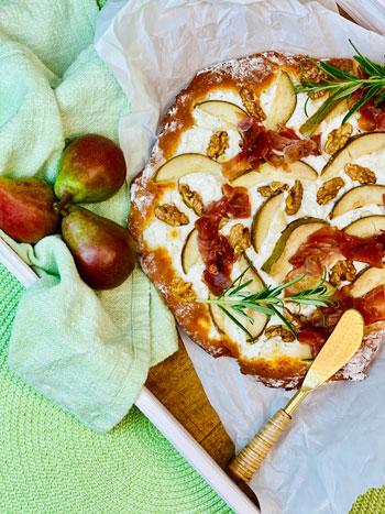 Pizza-mit-Birne-und-Ziegenkäse-Rezept