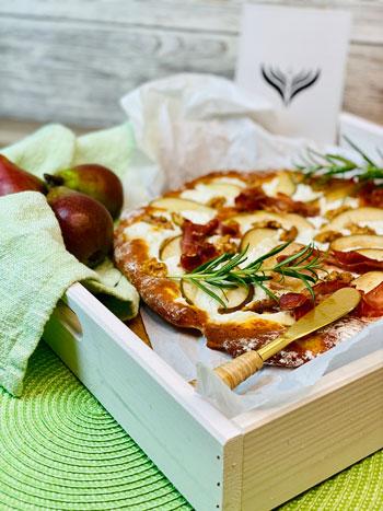Rezept-Pizza-mit-Birne-und-Ziegenkäse