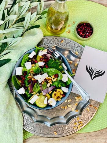 Schneller_Brokkoli-Pinienkern-Salat