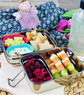 lunchbox-mit-getrockneten-himbeeren