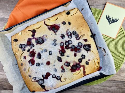 Ofenpfannkuchen vom Blech mit Obst